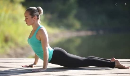 Tips-for-surya-namaskar-plank-pose-sun-salutation-for-weight-loss--reduce-belly
