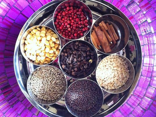Ayurvedic-eating-time-spice-box