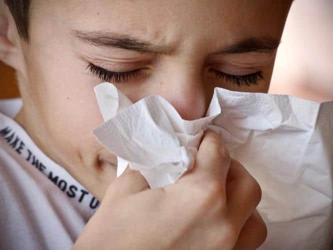 ways-to-avoid-cold-flu-sneezing-viral