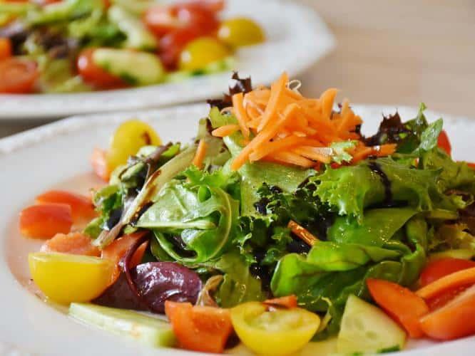salad-raw-ayurveda-eating-habits