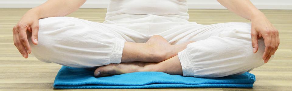 meditation-posture-cross-legged