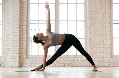 Triangle-pose-yoga-girl-images