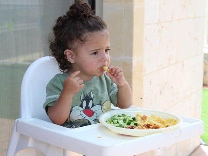 eat-taste-feel-smell-kids-enjoy