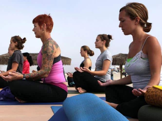 Yoga-in-the-morning-classes-images